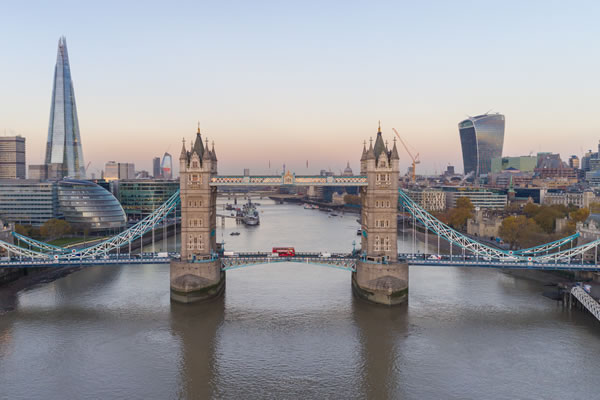 What is London famous for